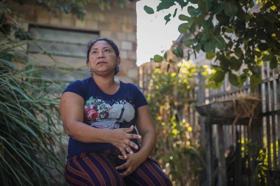 Valda (acima) e Lídia, moradoras da região do Maicá, contam as histórias de resistências do local. Foto: Carol Ferraz / Amigos da Terra Brasil