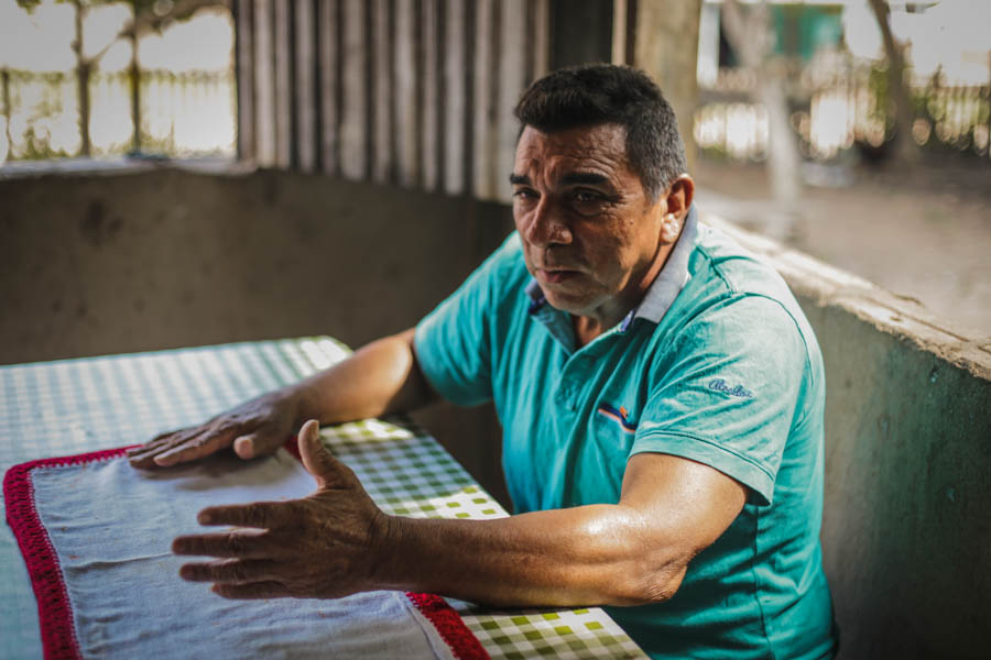 Bena conta e reconta as histórias do Tiningu. Foto: Carol Ferraz / Amigos da Terra Brasil